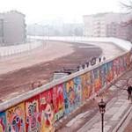 http://www.berlijntrip.nl/wp-content/uploads/2013/11/De-Berlijnse-Muur-36750.jpg