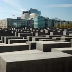 http://www.berlijntrip.nl/wp-content/uploads/2013/11/Holocaust-Monument-36782.jpg