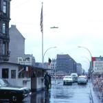 http://www.berlijntrip.nl/wp-content/uploads/2014/07/Checkpoint-Charlie-36742.jpg