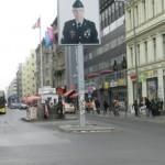 http://www.berlijntrip.nl/wp-content/uploads/2014/07/Checkpoint-Charlie-36744.jpg