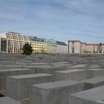 https://www.berlijntrip.nl/wp-content/uploads/2013/11/Holocaust-Monument-36786.jpg