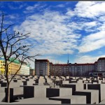 https://www.berlijntrip.nl/wp-content/uploads/2013/11/Holocaust-Monument-36787.jpg